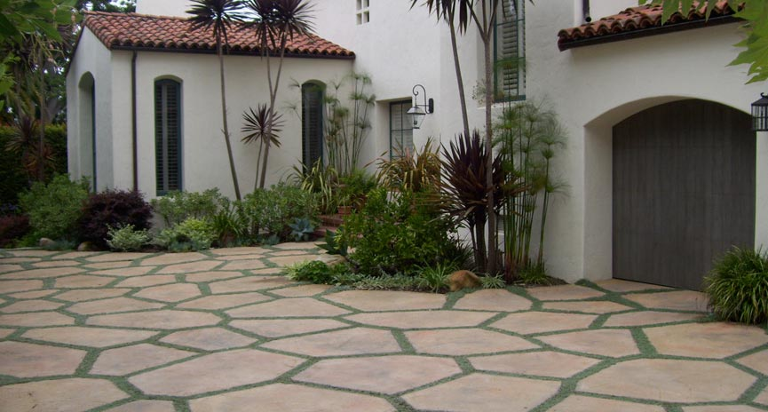 Montecito special Driveway with groundcover