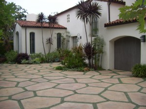 Hardscape driveway with ground cover