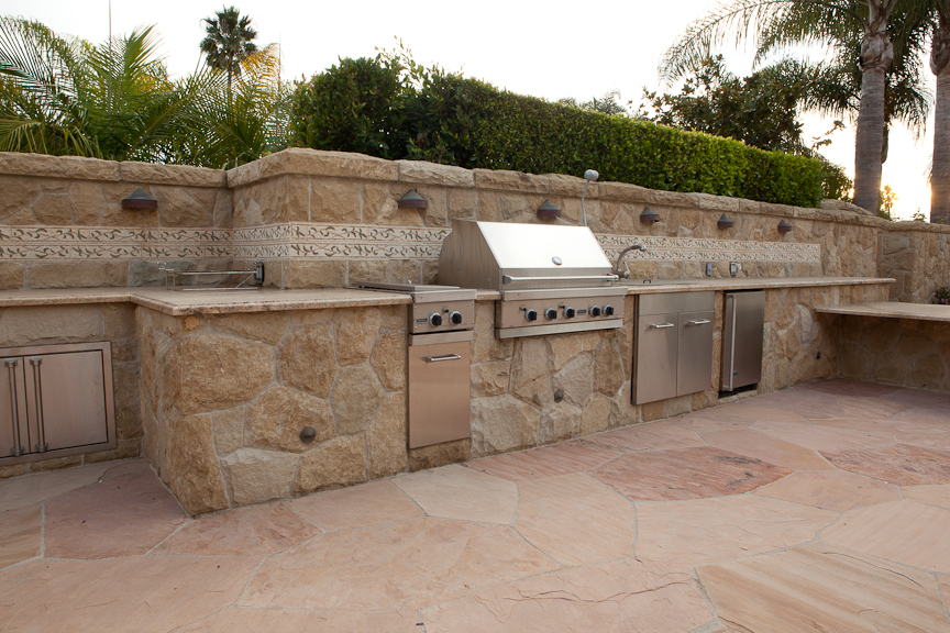 Santa Barbara Built In Backyard Kitchen