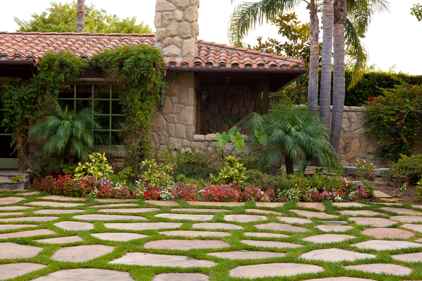 Landscaping ideas for creating curb appeal santa barbara for Curb appeal garden designs